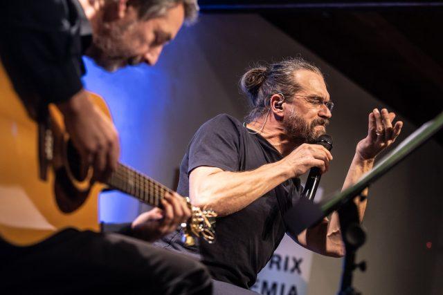 Zpěvák Dan Bárta doprovodil vyhlašování výsledků 37. ročníku Prix Bohemia Radio